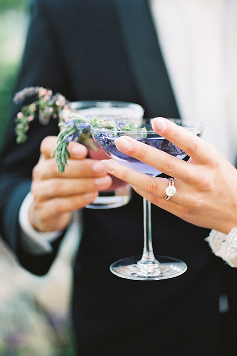 Inn-at-rancho-santa-fe-shoot-cocktails-bride-and-groom-hld-cocktails