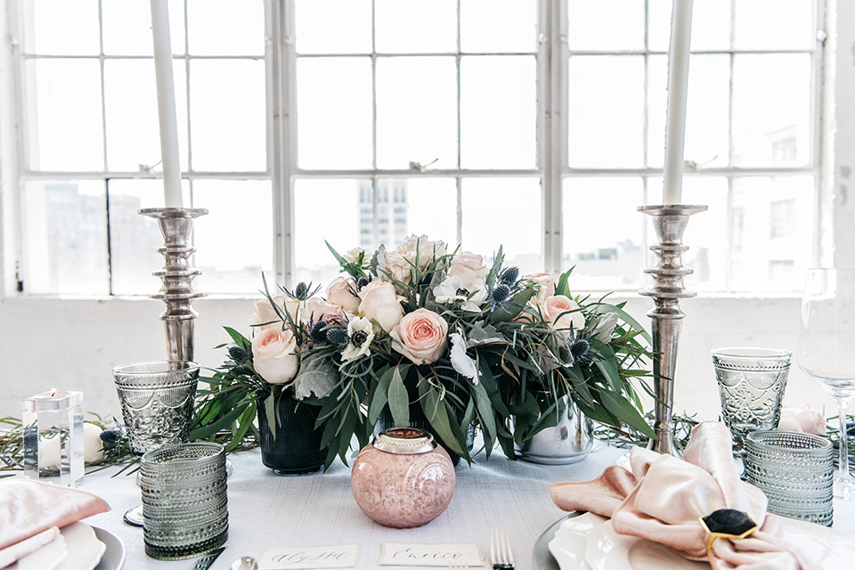 FD-Studios-florals-on-table