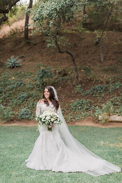 los-willows-wedding-bride-alone-final-bride-in-a-tulle-ballgown-with-sleeves