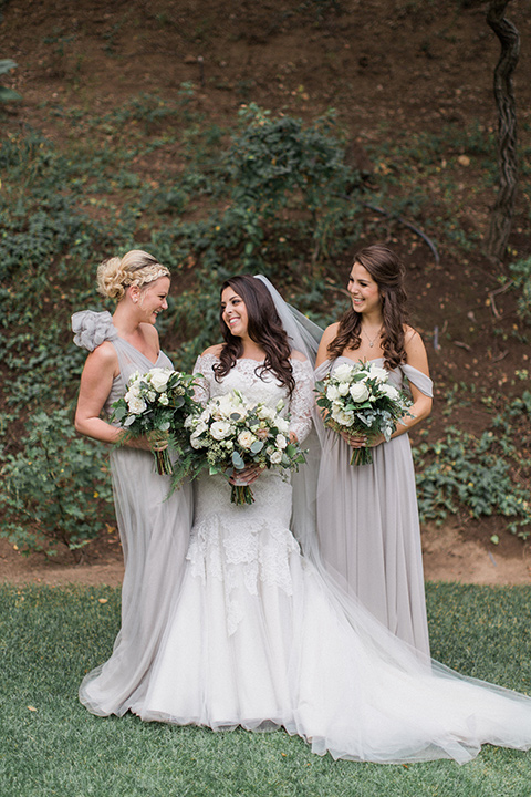 los-willows-wedding-bridesmaids-2-bride-in-a-tulle-ballgown-with-sleeves-bridesmaids-in-silver-dresses