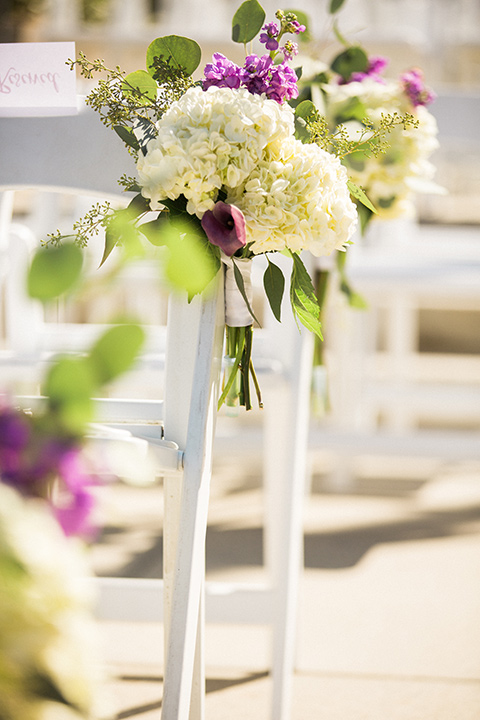 Avenue-of-the-arts-wedding-ceremony-florals