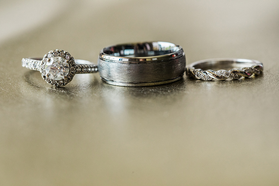 Avenue-of-the-arts-wedding-rings