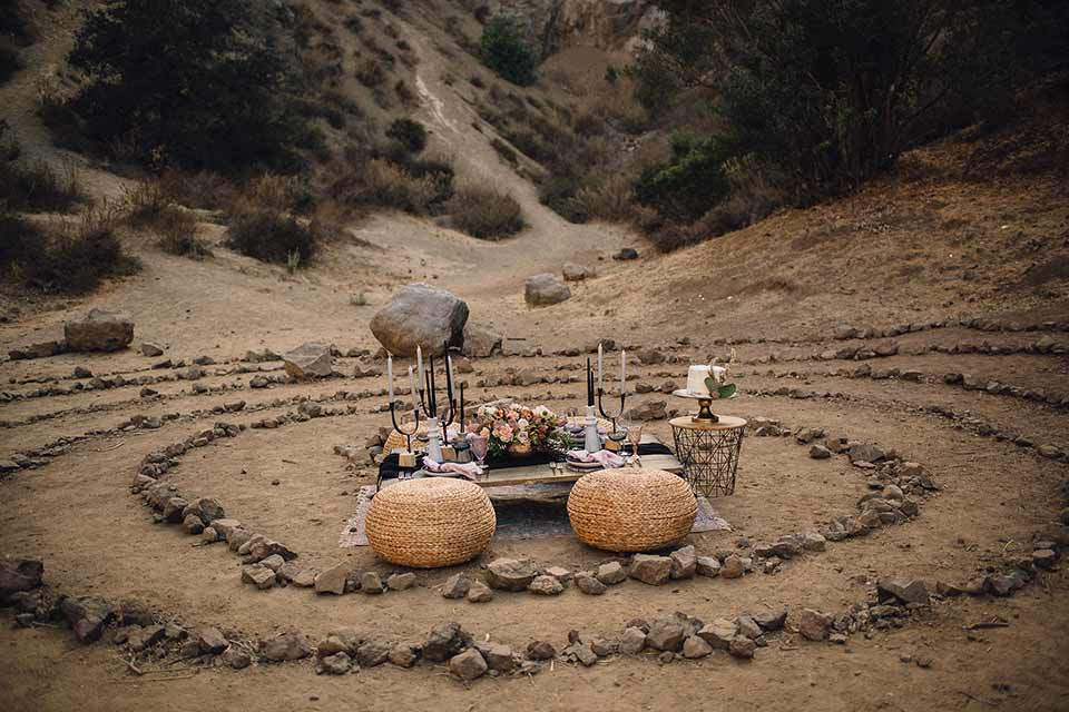bronson-caves-elopement-shoot-round-chairs-and-ground-set-up