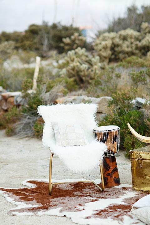 Desert-view-tower-white-fluffy-chair