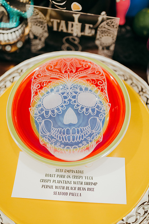 dia-de-los-muertos-lace-setting-yellow-plates-with-sugar-skull-details