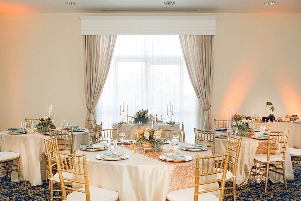 Grand-Pacific-Palisades-white-table-linens-with-all-white-decor