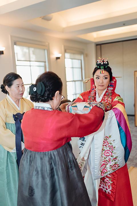 occidental-college-wedding-bride-at-cultural-ceremony