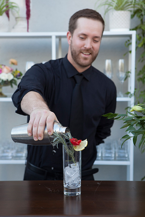 parq-west-shoot-bartender-pouring-drinks
