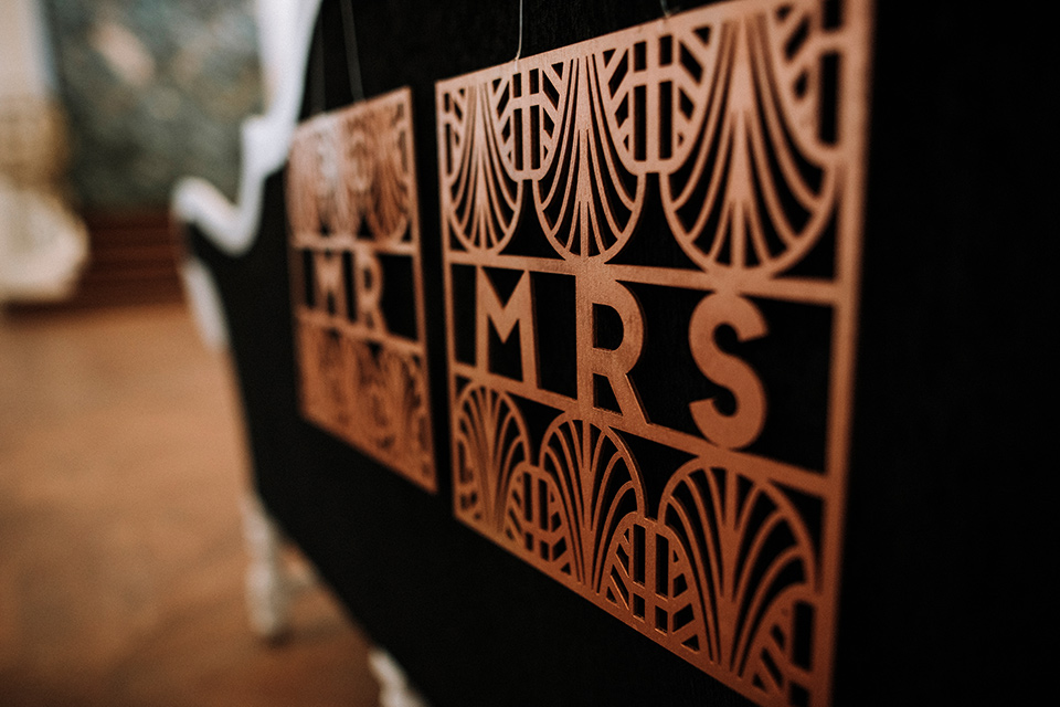 santa-anita-park-art-deco-shoot-mr-mrs-sign