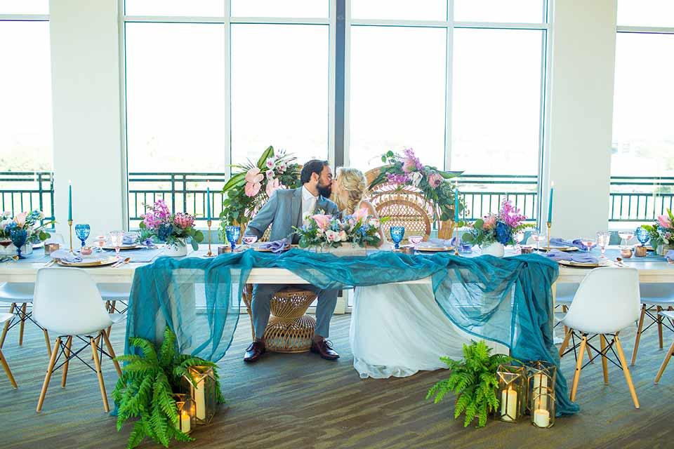 seapoint-bridal-shoot-sweetheart-table