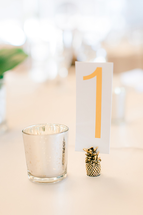 Los-Verdes-Golf-Course-Wedding-table-décor-with-tea-candles-and-simple-decor