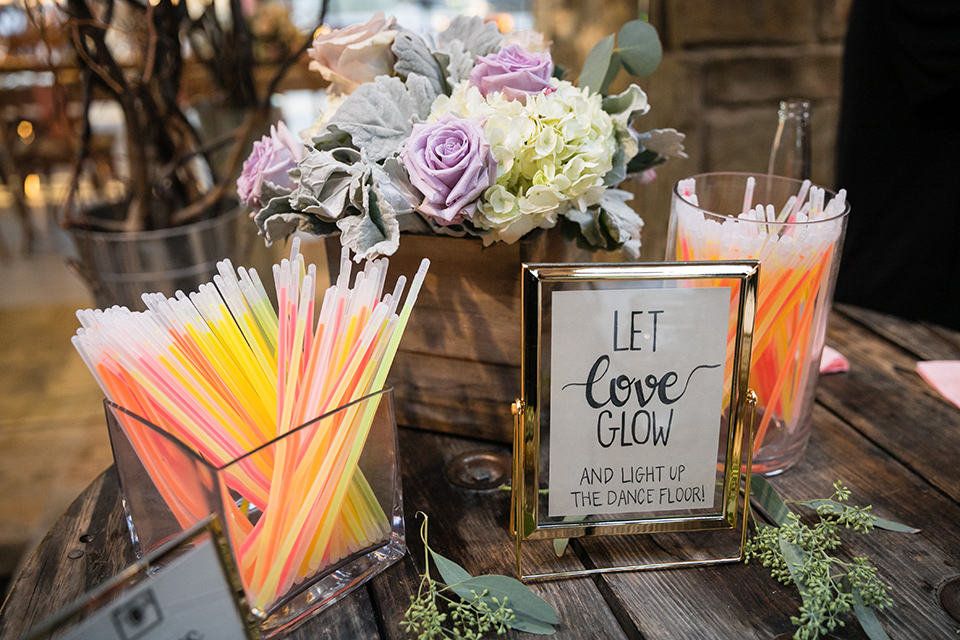 Garden-Wedding-glow-sticks