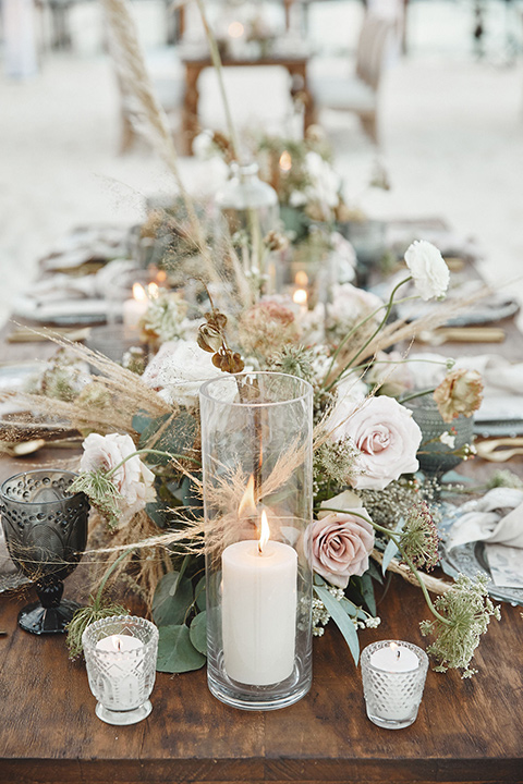 Grand-Firesta-Americana-Coral-Beach-tablescape