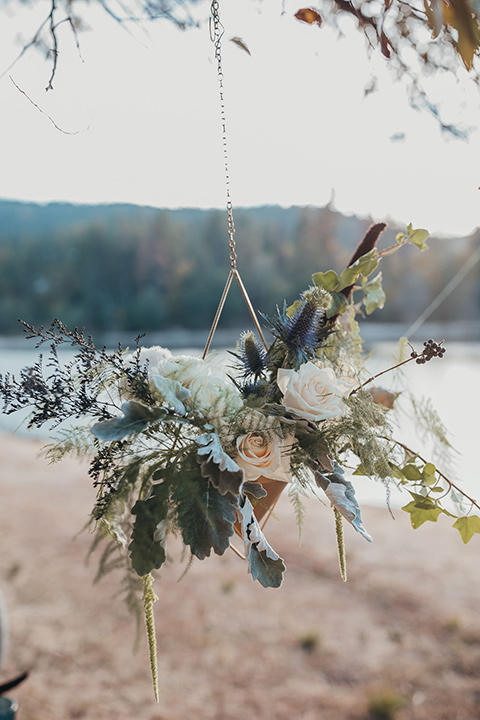 Big-Bear-Elopement-Shoot-hanging-flower-plants