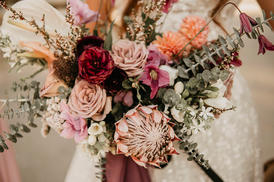 pink and sage tones florals for the bride