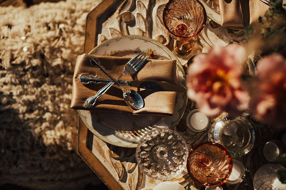 desert wedding place setting