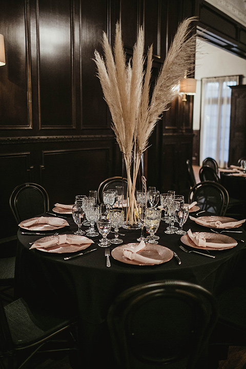 The-Ebell-In-Long-Beach-Wedding-table-décor-with-pampas-grass-centerpieces-and-gold-decor