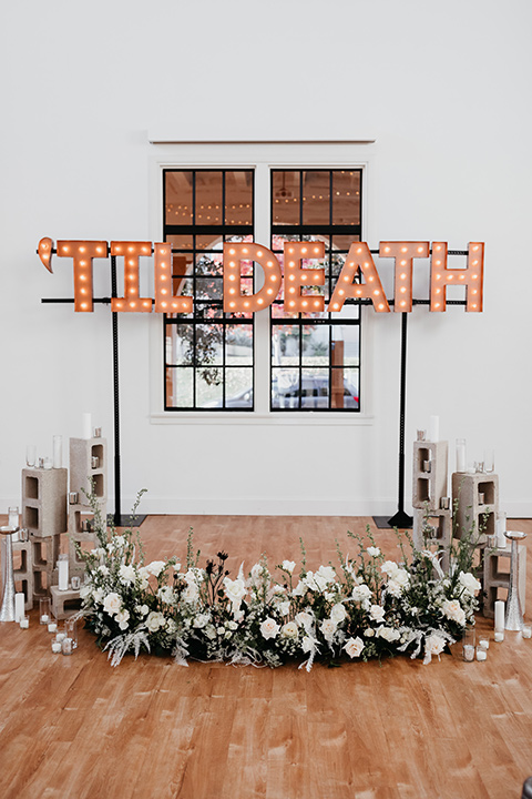 Building-177-Styled-Shoot-marquee-letters-and-cinderblock-décor-at-the-ceremony-space