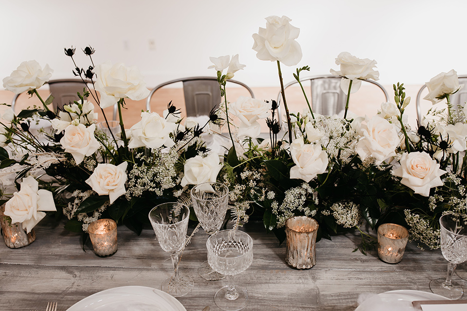 Building-177-Styled-Shoot-table-florals-in-lush-white-arrangements