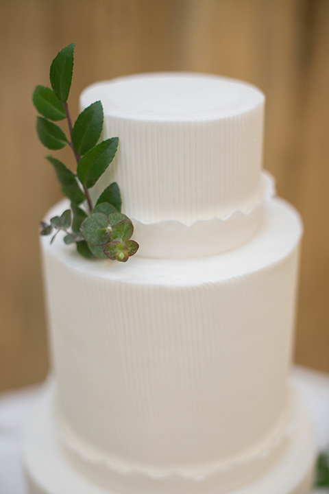 Cooks-Chapel-Shoot-cake-in-white-fondant-and-green-decor