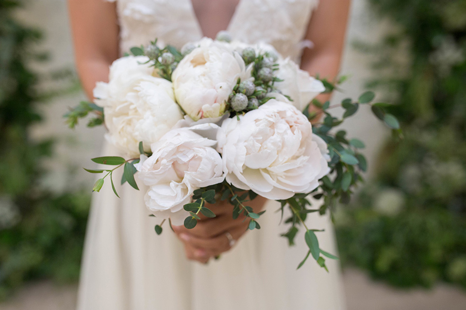 Cooks-Chapel-Shoot-florals-in-white-peonies