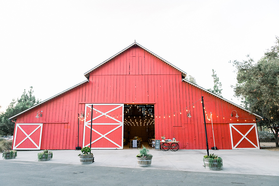 red-barn-wedding-the-red-barn