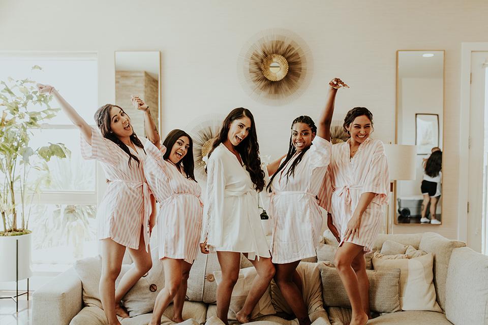Dragon-point-villa-wedding-bridesmaids-in-robes