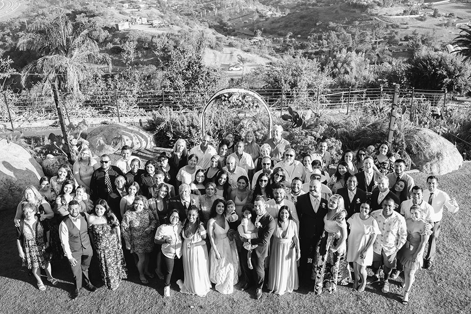 Dragon-point-villa-wedding-entire-wedding-guests-in-one-photo