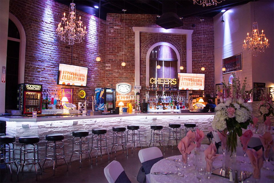 Elements-Venue-presents-wedding-reception-set-up