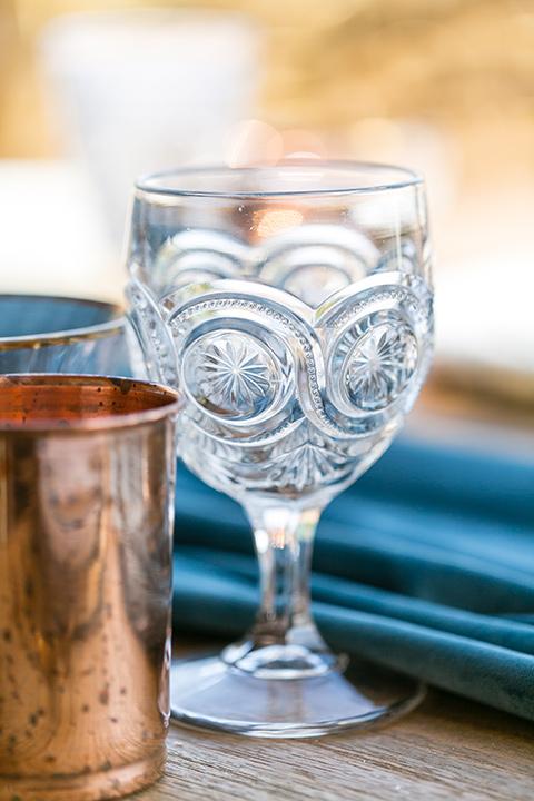 fazeli-winery-wedding-table-decor