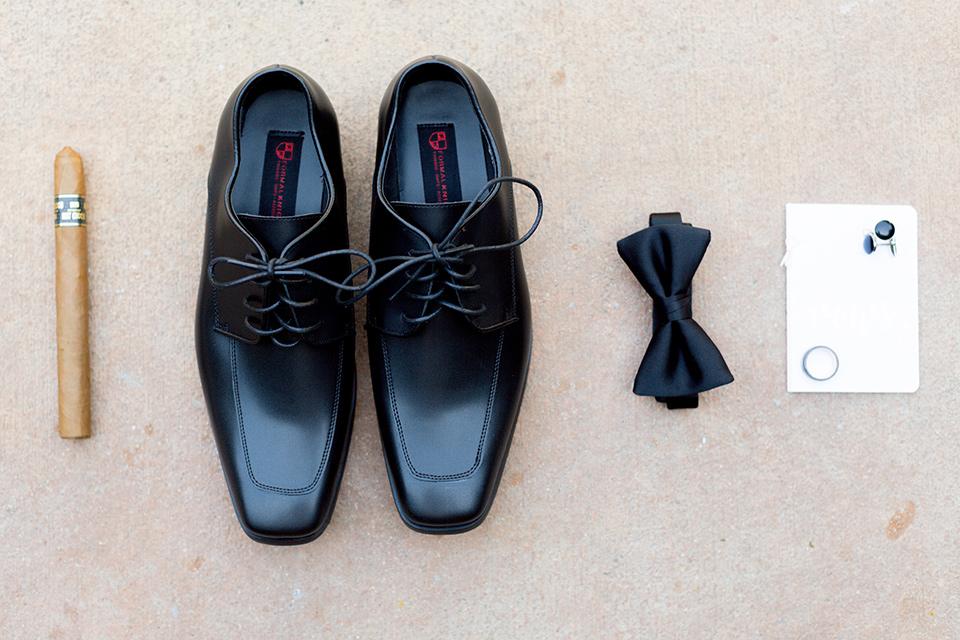 franciscan-gardens-wedding-groom-accessories
