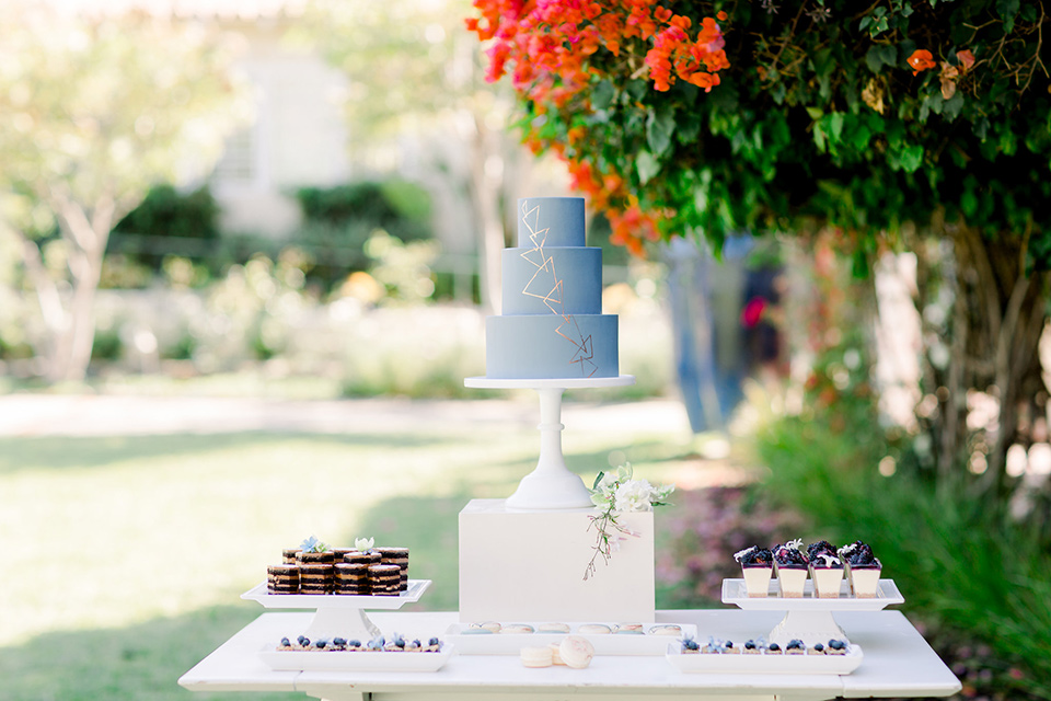inn-at-rancho-santa-fe-cake-and-dessert-table