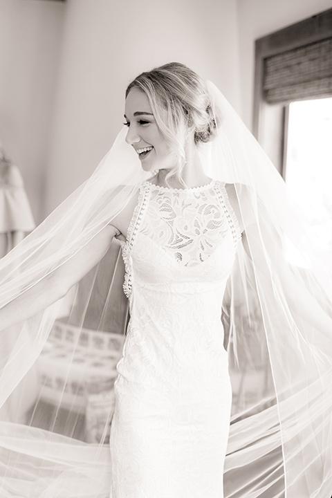 Arroyo-Grande-Wedding-bride-with-veil