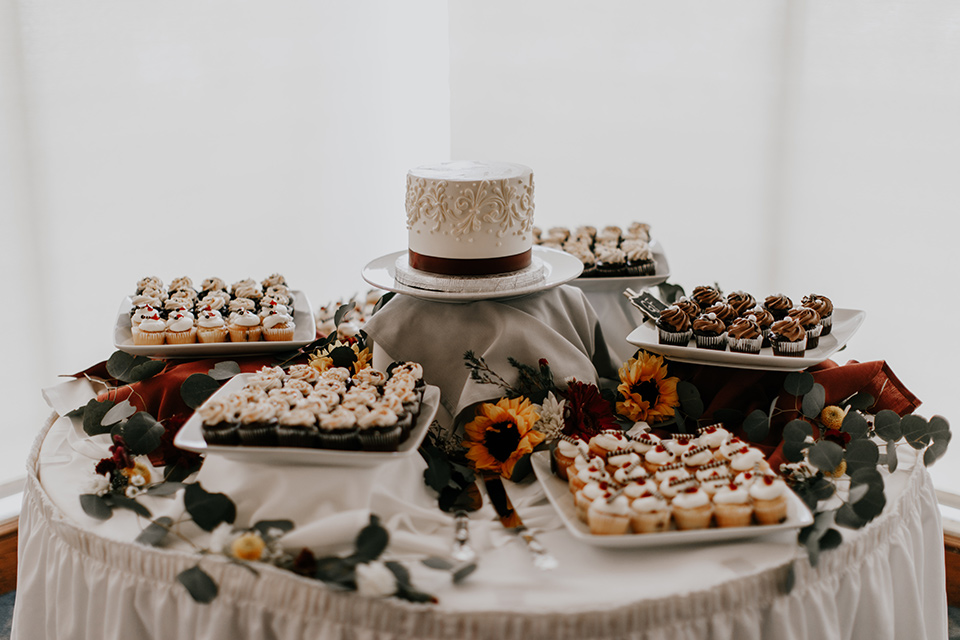 coronado-yacht-club-wedding-dessert-table