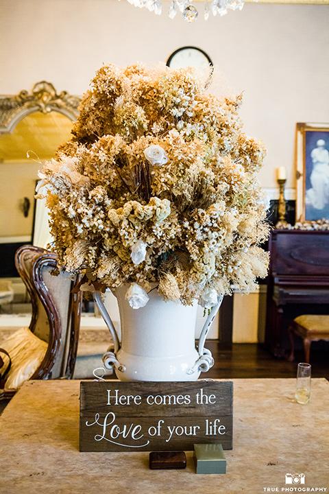 twin-oaks-weddings-table-decor