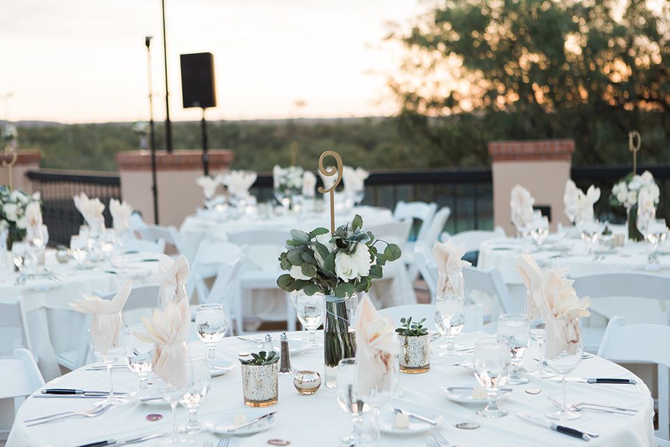 tanque-verde-ranch-arizona-wedding-table-decor-and-setup-with-white-table-linens-and-white-chairs