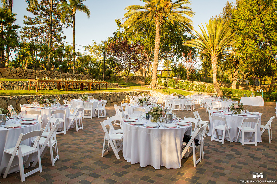 mount-woodson-castle-tables-at-reception-with-all-white-décor-and-minimal-table-decor