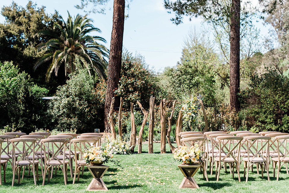 malibu-lodge-spring-wedding-shoot-ceremony-setup