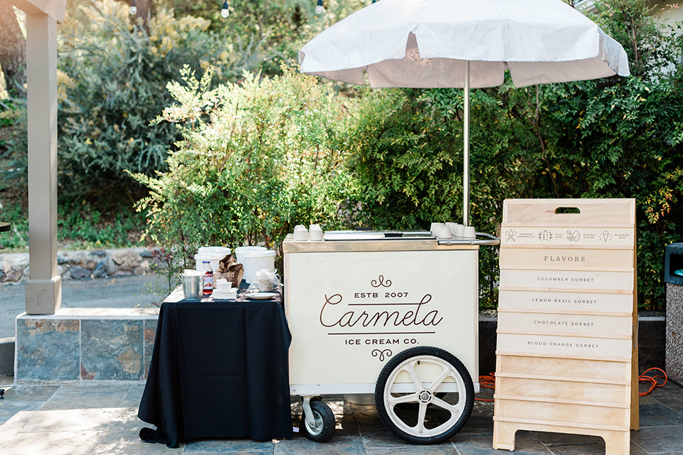 malibu-lodge-spring-wedding-shoot-ice-cream-cart