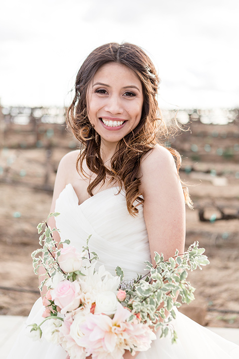 Lorimar-winery-shoot-bride-close-up-in-her-tulle-ballgown