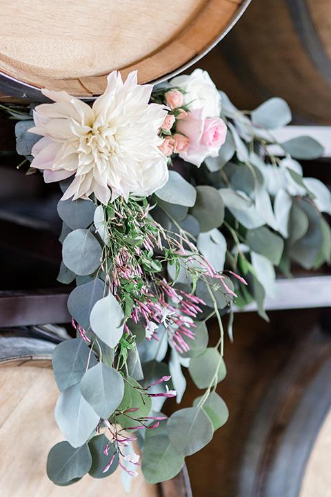 Lorimar-winery-shoot-florals-on-the-wine-barrels