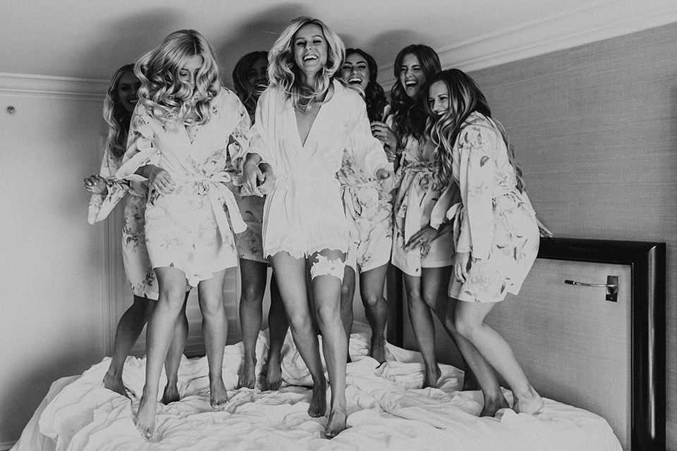 monarch-beach-resort-bridesmaids-on-the-bed