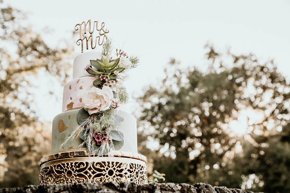 Owl-Creek-Farms-shoot-cake-with-light-blue-and-white-fondant-and-floral-decor