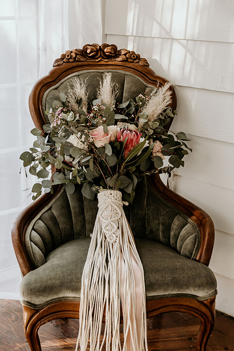 Owl-Creek-Farms-shoot-flowers-on-chair