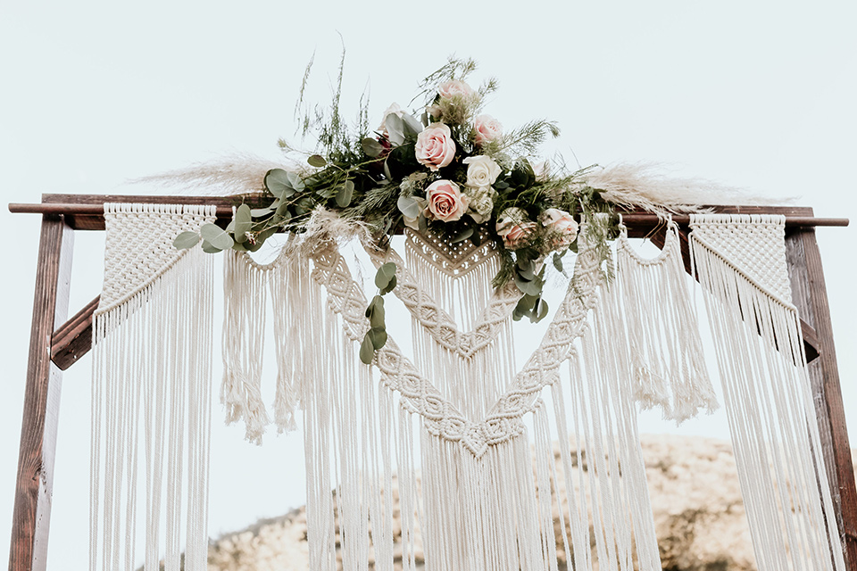 Owl-Creek-Farms-shoot-macramé-ceremony-arch