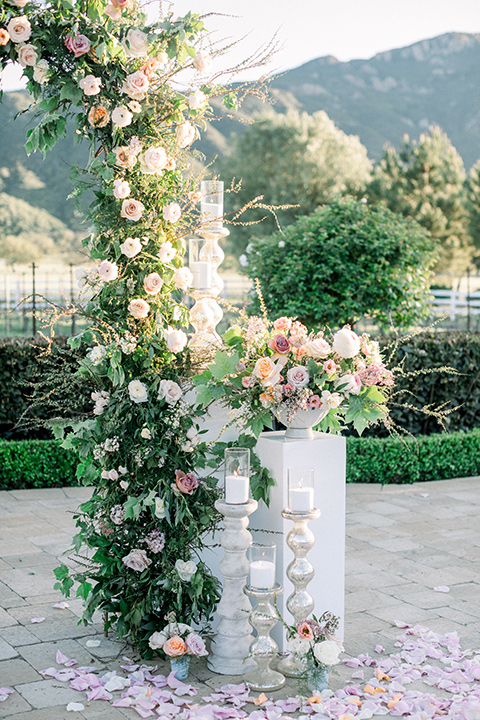 green and white ceremony florals