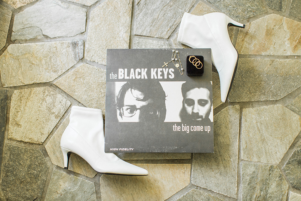 Topa-Winery-Wedding-black-keys-album