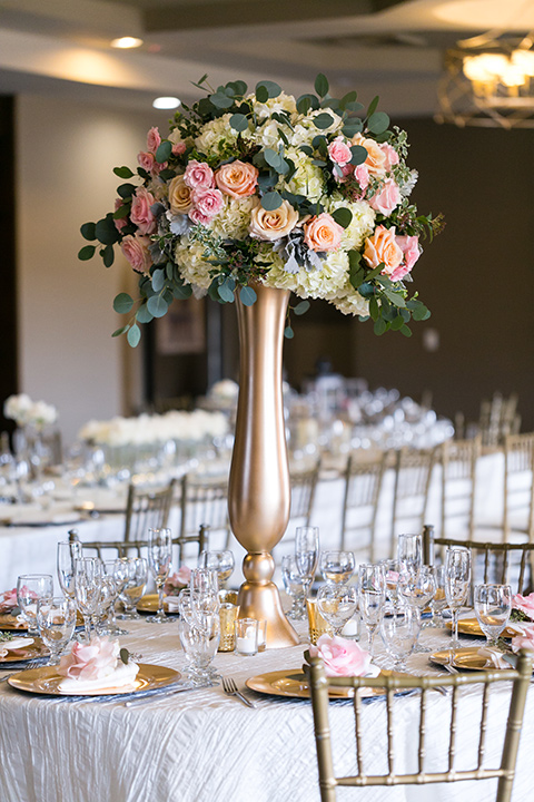 Vellano-Country-Club-centerpieces
