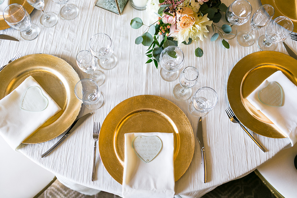 Vellano-Country-Club-flatware-in-gold-with-white-linens
