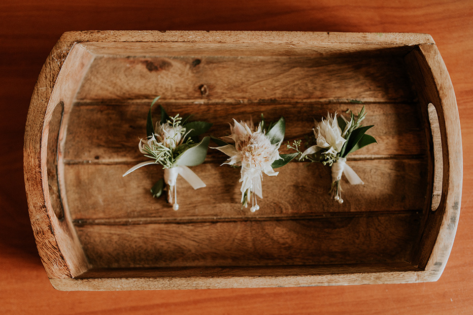 la-jola-shores-hotel-wedding-boutonnieres